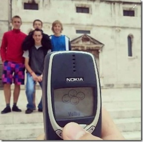 Taking-picture-with-Nokia-3310...